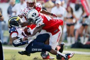 Ziggy Ansah Tackles Receiver Denard Robinson in 2013 Senior Bowl